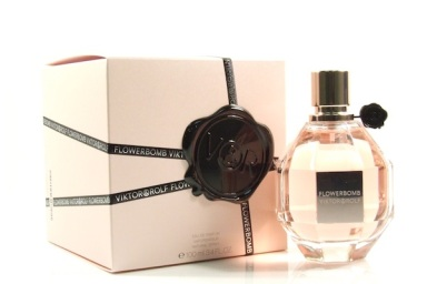 christmas-wish-list-viktor-and-rolf-flowerbomb eau de parfum best christmas gifts for girls best christmas gifts for women