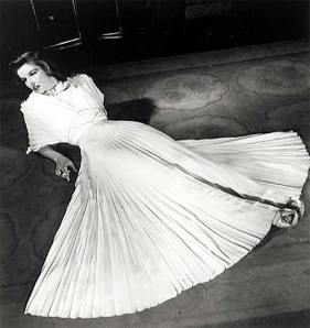 Katharine Hepburn Philadelphia Story pleated skirt, pleated dress, 1940s fashion