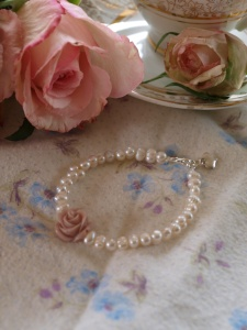 pearl antique rose bracelet Fanciful Sparrow Designs Madeleine Mason start your own business how to get a job pretty jewellery handmade jewellery British crafted jewellery